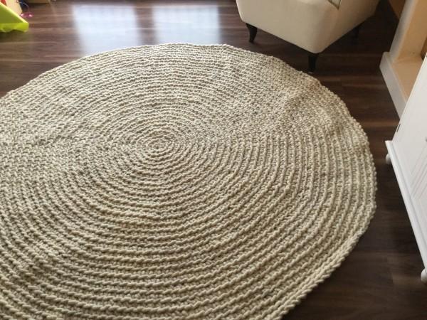 Teppich gehäkelt, naturweiß mit wenig braun, 170 cm